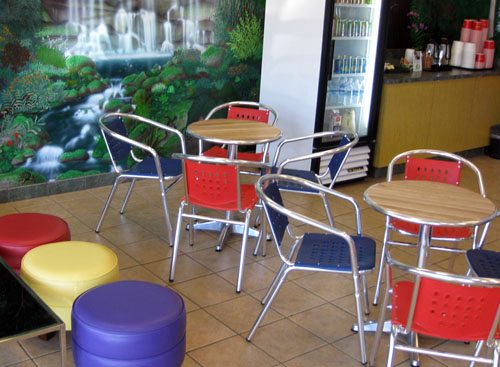 Indoor air conditioned seating Froyo frozen yogurt sundae restaurant