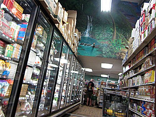 Paia grocery store Mana Foods