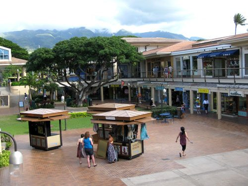 Kaanapali Beach shopping center whalers village Maui