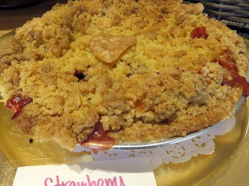 strawberry crumb pie Kihei